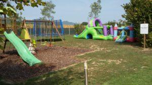 Area giochi per bambini con gonfiabili