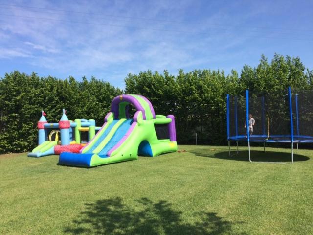 Gonfiabili e trampolino per bambini